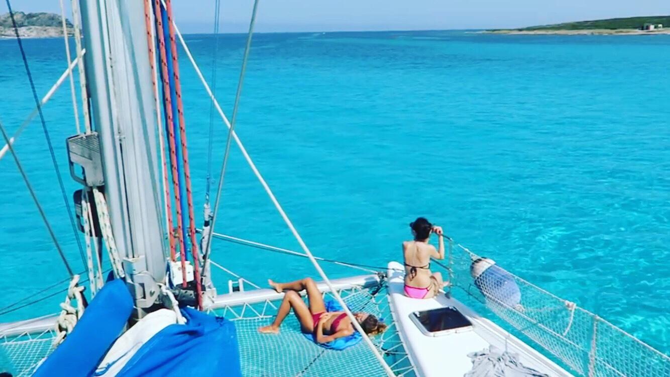relax in catamarano alla pelosa di stintino